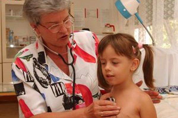 Chorí sú predovšetkým žiaci základných a stredných škôl a deti do päť rokov.