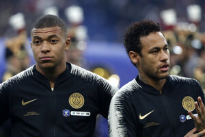Kylian Mbappé (vľavo) a Brazílčan Neymar.
