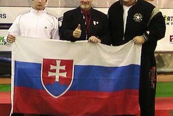 Na prestížnom podujatí - zľava: Miroslav Čaba, Mike Sweeney (prezident WPC) a Peter Mihály st.
