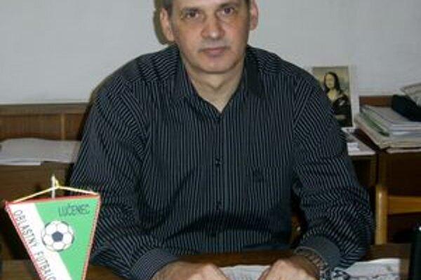 Predseda Oblastného futbalového zväzu v Lučenci Štefan Pastorek.
