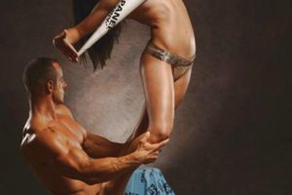 Kickboxeristka Vladimíra Šmelková s fitnesákom Danielom Medom.
