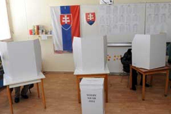 V obvode Lučenec registrovali 76 270 oprávnených voličov.