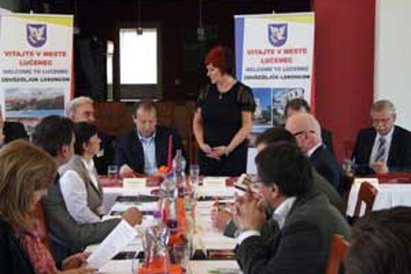 Účastníci odhlasovali program, v rámci ktorého schválili aj prerokovanie správy o činnosti a hospodárení únie i programových priorít pre najbližšie obdobie.
