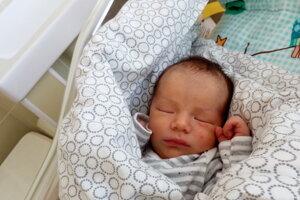Samuel Martins Pacas (3830 g, 51 cm) sa narodil 23. apríla Elise a Branislavovi.