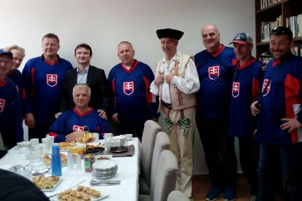 Slovenskú hokejovú výpravu prijali aj na našom veľvyslanectve v Tel Avive.