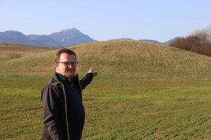 Pavol Stankoviansky je presvedčený, že v Liptovských Sliačoch je dosiaľ neprebádaná mohyla