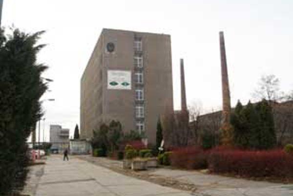 Podnik Slovglass Poltár ukončil výrobu a prepustil posledných 435 zamestnancov v decembri minulého roka.