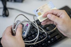 Na portál finančnej správy je možné registrovať sa aj občianskym preukazom s čipom.