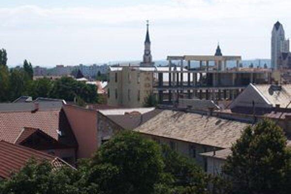 Prokurátor z Lučenca je obvinený z úplatkárstva.