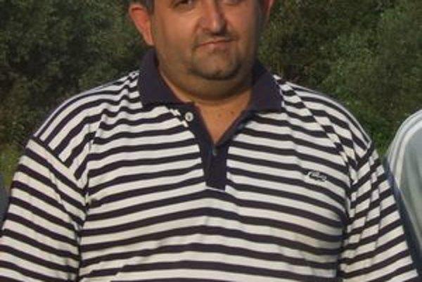 Ambiciózny tréner Ján Šága má z hráčmi korektný vzťah.