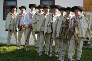 Gajdošská folklórna skupina z Veľkej Lehoty.