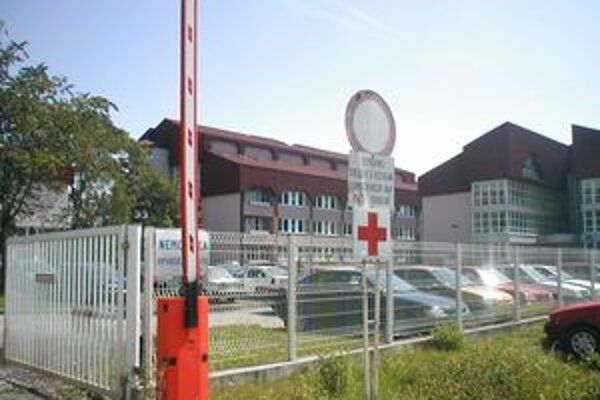 V prípade nemocnice v Rimavskej Sobote zatiaľ nerozhodol ani prvostupňový súd.