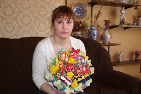 Zdobenie vajíčok je pre Zuzanu Melicherovú z Kalinova oddychom.