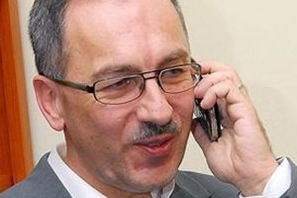 Župan V. Maňka tvrdí, že súdy priniesli len zbytočné straty pre VÚC aj pre správcov nemocníc a nervozitu pre lekárov a pacientov.