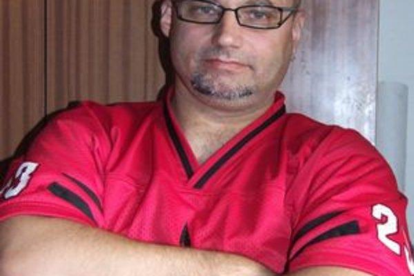 Emil Jahodník verí, že americký futbal si svojich priaznivcov v Novohrade nájde.