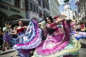 Gypsy fest v uliciach Bratislavy.