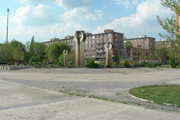 Samospráva Lučenca čaká na schválenie projektov revitalizácia námestia či rekonštrukcia radnice.