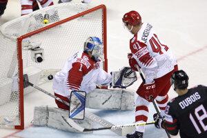 5fde6518377bc MS v hokeji: Momentky zo zápasu Kanada - Dánsko (12 fotografií)