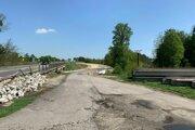 Oprava mostu z diaľnice D2 do Malaciek sa začala v pondelok.