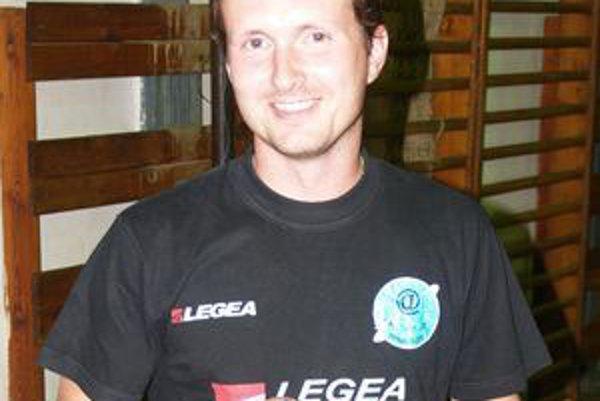 Hrajúci tréner STK Lučenec - Kalinovo Jaroslav Adámek.