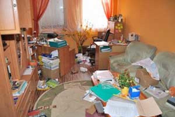 Takýto neporiadok po sebe zanechali zlodeji v Špeciálnej základnej škole v Rimavskej Sobote.