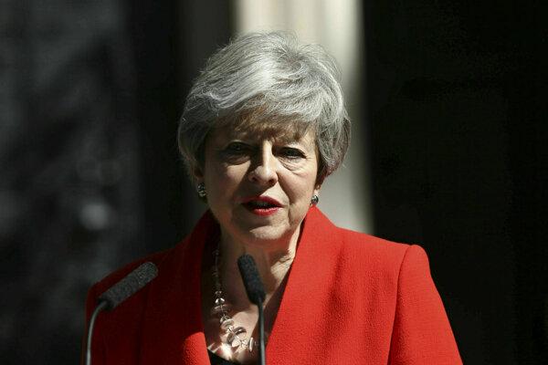 Mayová rezignuje z čela strany 7. júna.