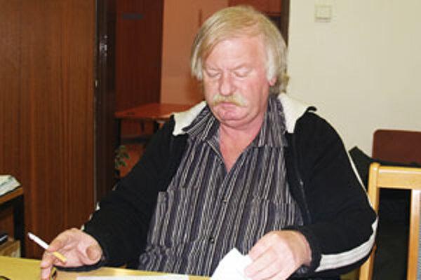 Súčasný starosta Tomášoviec Karol Dovala skončil s počtom hlasov 222 na druhom mieste.