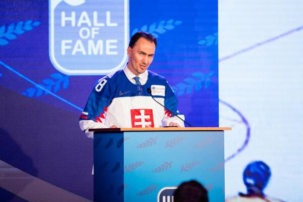 Miroslav Šatan počas slávnostného ceremoniálu uvedenia nových laureátov do hokejovej Siene slávy IIHF. Bratislava, 26. máj 2019.