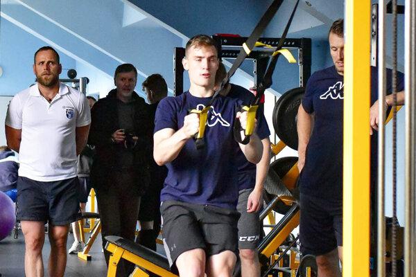 Ľubomír Fetkovič sa nevie dočkať, keď si oblečie dres HK Nitra, svojho nového klubu.