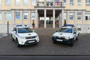 Služobné autá MsP Handlová.