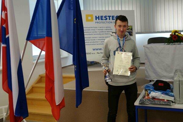 Zlatý Matej Holienka zo Strednej odbornej školy stavebnej vŽiline.