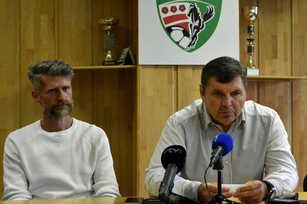 Majiteľ 1. FC Tatran Prešov Miroslav Remeta (vpravo).