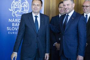 Peter Pellegrini počas uvedenia Petra Kažimíra do úradu guvernéra Národnej banky Slovenska.