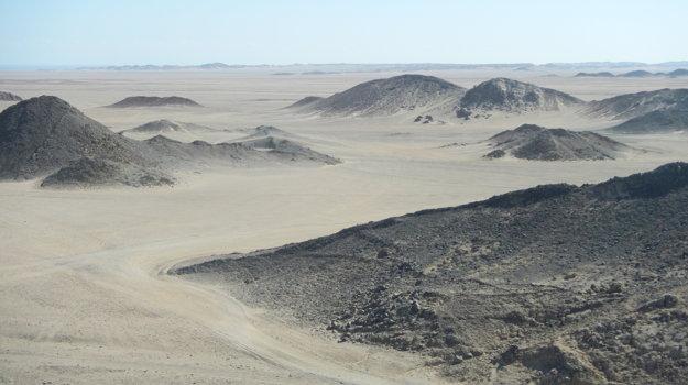 Púšť v okolí Hurghady láka na výlet na štvorkolkách.