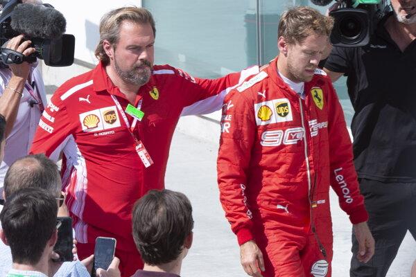 Sebastian Vettel (vpravo).
