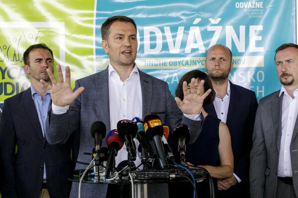 Igor Matovič pri predstavení platformy Odvážne.
