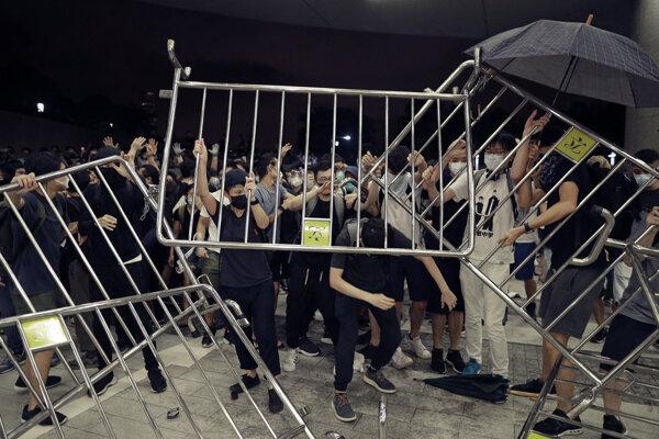 Čína kritizovala Taiwan za ponuku azylu hongkonským demonštrantom