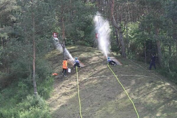 V Kvašove čakal hasičov výbeh do kopca.