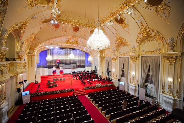 Sľub zloží na slávnostnej inauguračnej schôdzi.