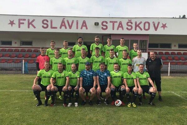 Futbalisti FK Slávia Staškov.