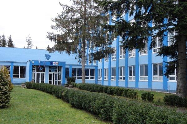 SPŠ v Snine je jednou zo škôl, o ktorej osude majú rozhodnúť poslanci krajského zastupiteľstva na pondelkovom zasadnutí.
