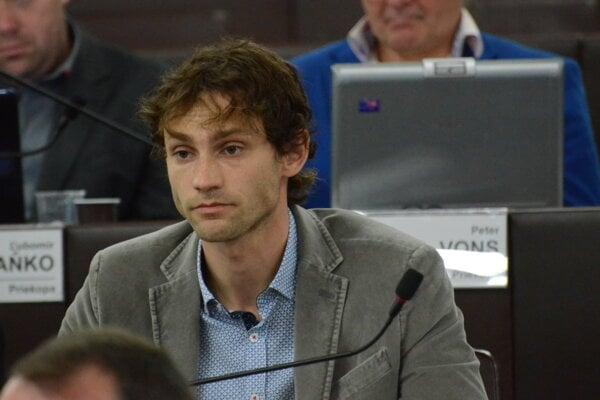 Jozef Krištoffy je už nezaradeným poslancom.