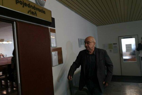 Profesor dostal sedemročný trest. Snímka je z predošlých pojednávaní.