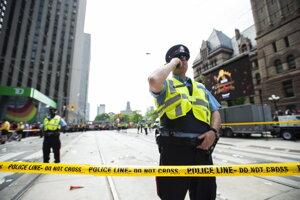 Oslavy v Toronte narušila streľba.