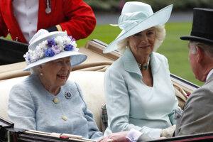 Kráľovná Alžbeta II. a Camila, vojvodkyňa z Cornwallu, prichádzajú na Royal Ascot.