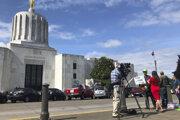 Oregonský Capitol je v týchto dňoch prázdny.
