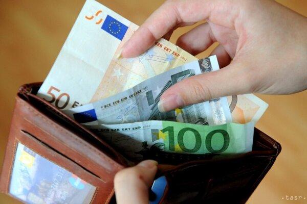 Najväčšie mzdové rozdiely sú medzi Bratislavským a Prešovským krajom.