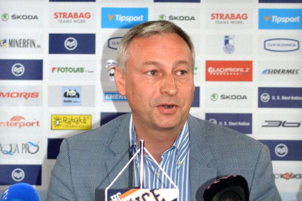 Július Lang.