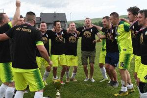 Futbalisti Torysy postup patrične oslávili.