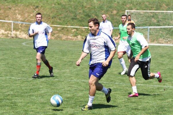 Firemné mužstvá sa zabavia futbalom v sobotu v Zbehoch.